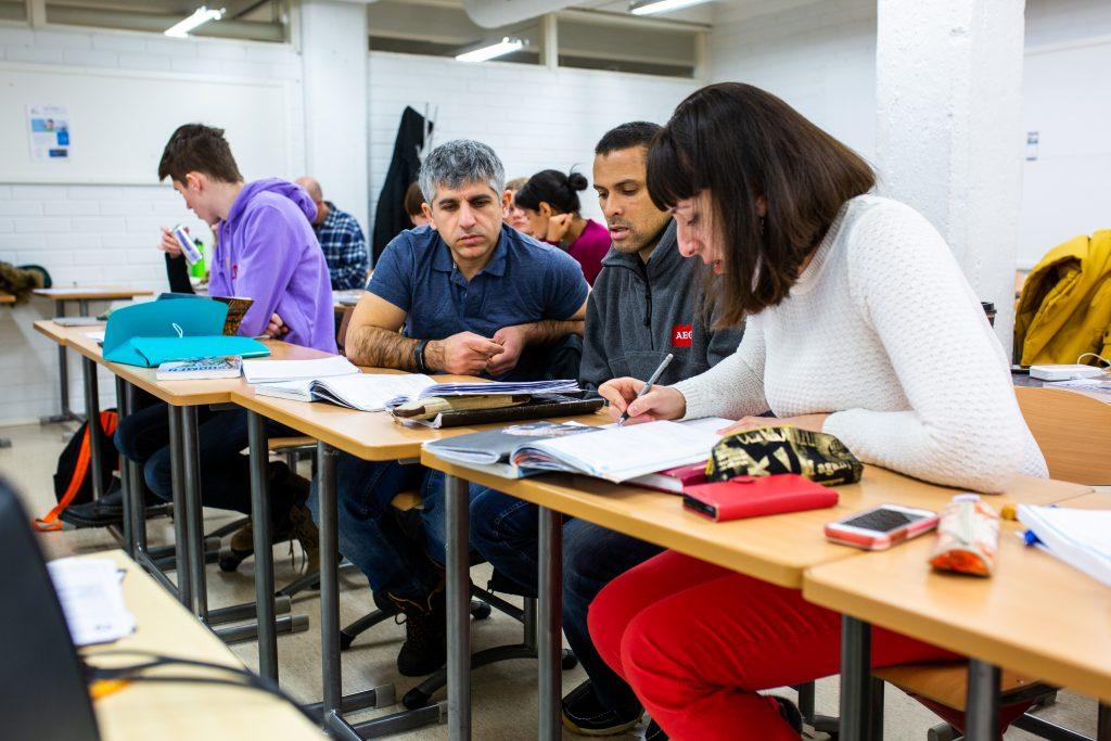 Kielten opiskelu ryhmä